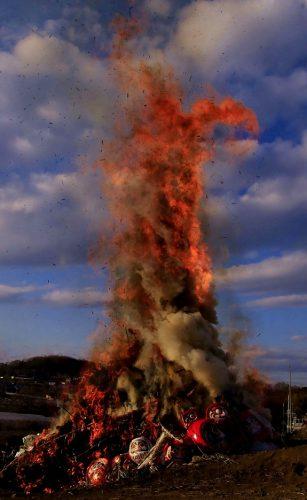 【佳作】どんど焼きの火柱